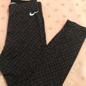 XS Nike Crop Leggings